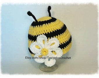 Crochet Bumble Bee hat. Bumble Bee beanie with flower. Handmade Bee hat. Bee hat.