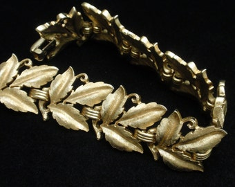 Trifari Gold Tone Metal Leaves Bracelet