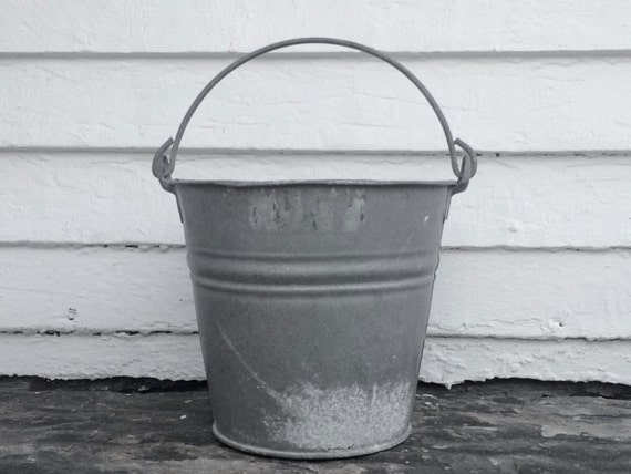 Rustic metal bucket made in poland old zinc bucket farm for Rustic galvanized buckets