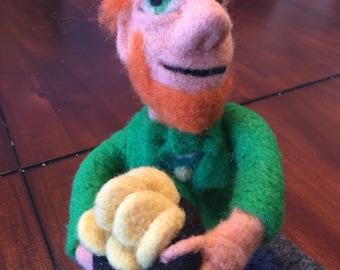 Needle felted leprechaun, needle felted art doll, St. Patrick's Day decoration