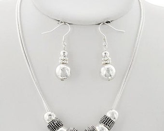 Simply Elegant Necklace Set