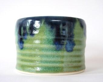 ceramic planter.porcelain planter. planter. porcelain.Handmade pottery.ceramic pot.pottery.glazed ceramic pot.decorative plant pot.clay pot.