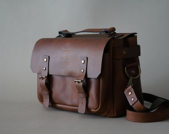 Leather Messenger / Camera Bag