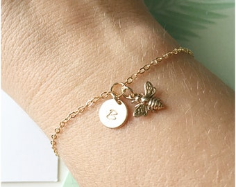 Personalized Bumble Bee Jewelry - Gold Bumblebee Bracelet - Hand Stamped Initial on Gold Disc - Dainty Gold Bracelet with Honey Bee Charm