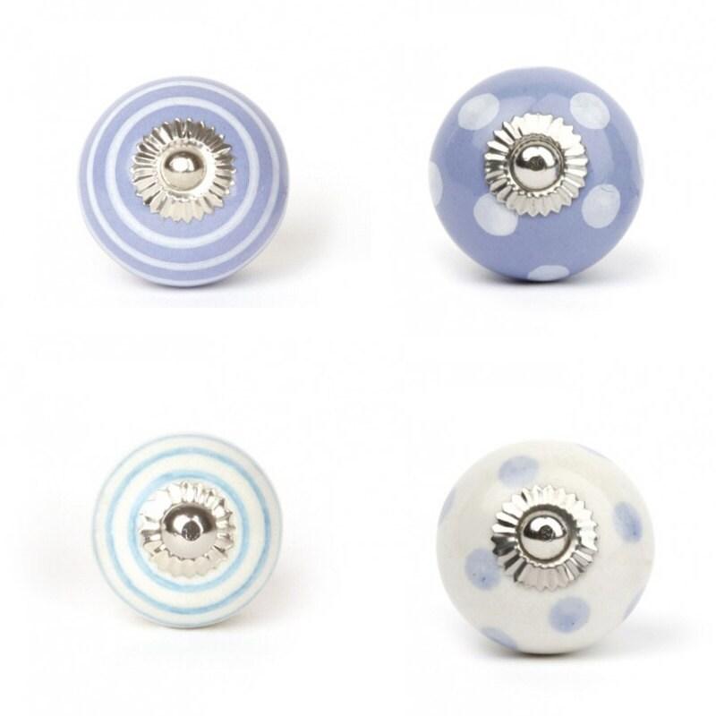 tiroir boutons boutons boutons armoire commode boutons tiroir. Black Bedroom Furniture Sets. Home Design Ideas