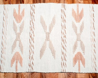 Swedish Vintage beige / ivory floor rag rug with fringes, floor runner, ornamented rug. Hand Woven Floor Runner rag rug. Made in Sweden.
