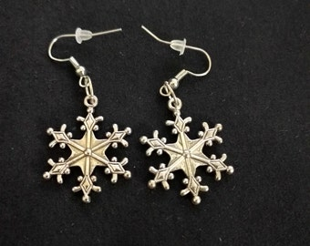 Snowflake Earrings [Medium]