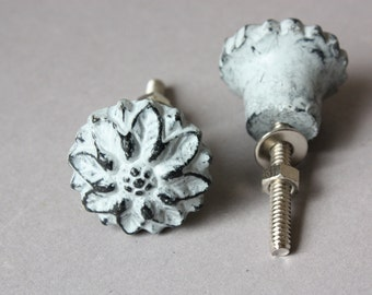 4 iron knobs grey, shabby drawer pulls, flower shape, upcycling home decor, floral rustic