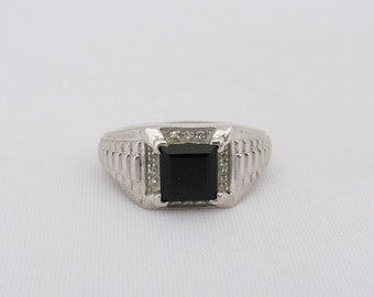 Vintage Sterling Silver Princess cut Black Onyx & White Topaz Mens Ring Size 11