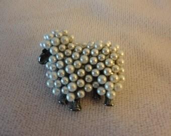 A StunningFaux Mini Pearls Sheep Brooch******.