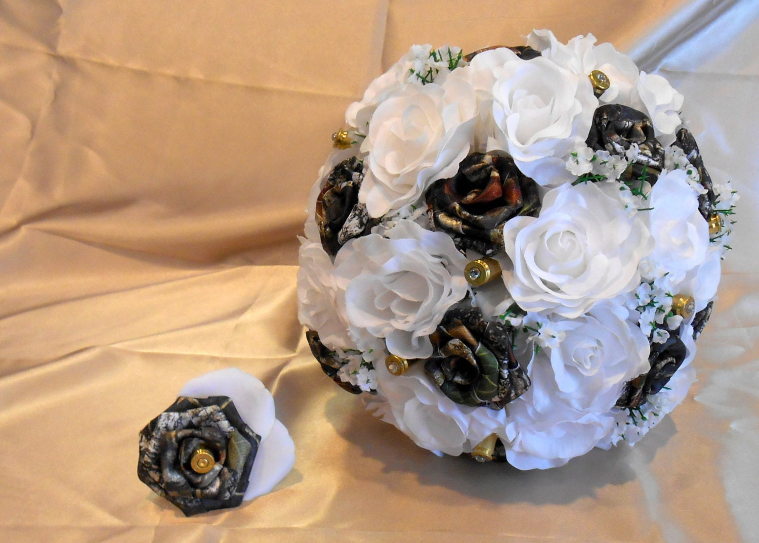 camouflage wedding flowers camo wedding bouquet camo bridal bouquet camo wedding mossy 2420
