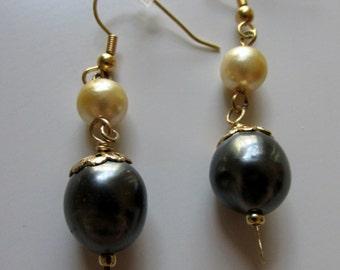 Vintage Black & Cream Pearl Earrings