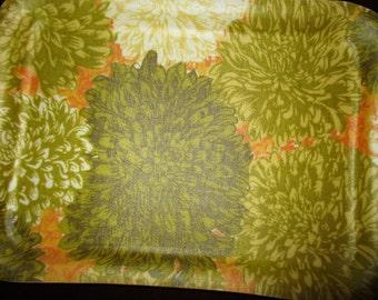 Vintage Chrysanthemums 1960s tray set of 4