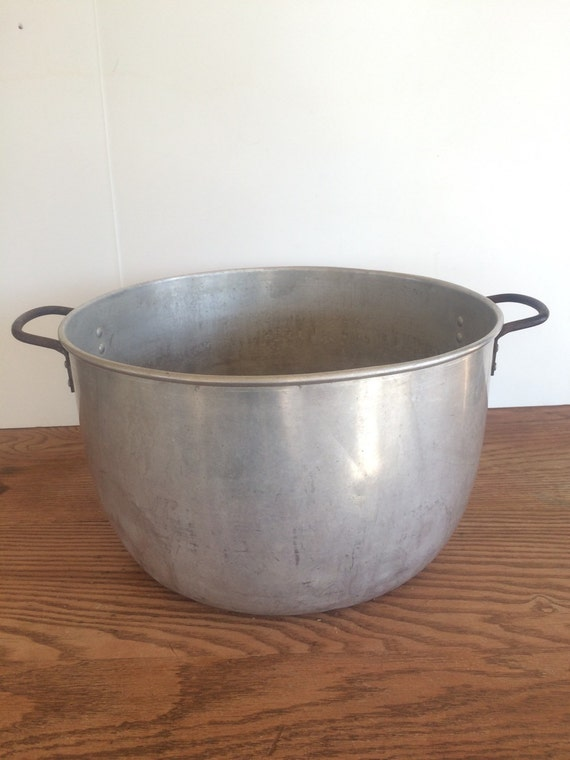 Vintage Aluminum Pot Wash Tub Large 20 Quart Flower Planter