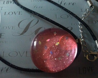 Beautiful pink necklace with glitter accent