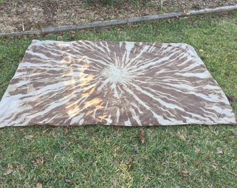 Brown Reverse Tie Dye Tapestry - OT Pattern