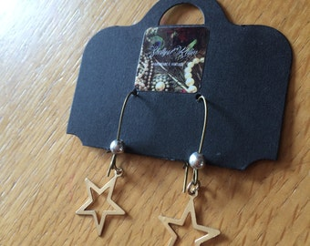 Reclaimed Cut out Star drop earrings