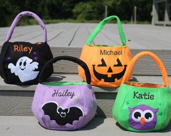 Halloween Bucket, Monogrammed Halloween Bucket,  Personalized Halloween Bag, Halloween Bag, Trick or Treat Bag, Monogrammed Trick or Treat