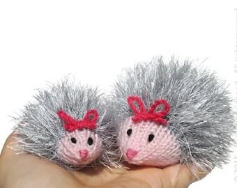 Tiny amigurumi hedgehog, plush hedgehogs, stuffed hedgehog, mini crochet amigurumi, mom and baby hedgehog, knitted hedgehogs in brown grey