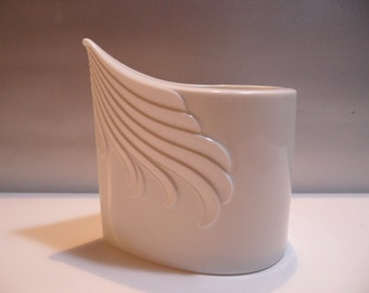 AK Kaiser porcelain vase,white porcelain vase,Vintage vase,porcelain vase,german porcelain vase,german design vase,white porcelain vase