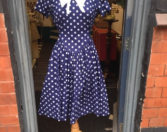 SALE Gorgeous cute spotty original 1950's dress