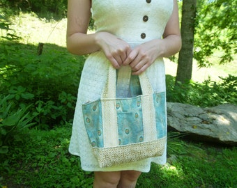 small tote, reversible to contrast, and pockets!