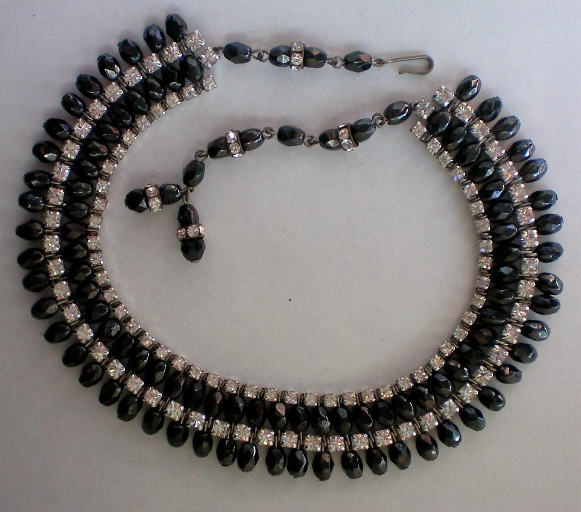 sassy black bead rhinestone necklace 4858