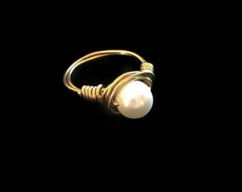 Pearl Ring, Pearl and Gold Ring, Pearl Solitaire Ring, Pearl Wire Wrapped Ring