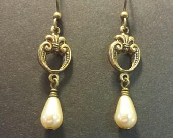 Drop Earrings, Dangle Earrings, Pearl Drop Earrings, Wedding Jewelry, Bridesmaid earrings, Victorian Earrings