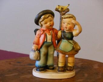 Napco Figurine Picnickers. SH1G