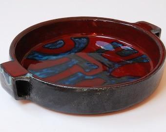 Retro 1960s Belgium Keramar pottery bowl/dish.