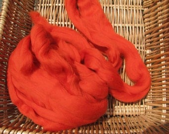 Merino Wool Tops 'Begonia' for hand spinning, wet and needle felting