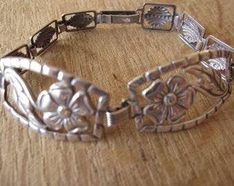 """Sterling Silver Die Cut Flower Link Bracelet 6.5"""" (1084)"""