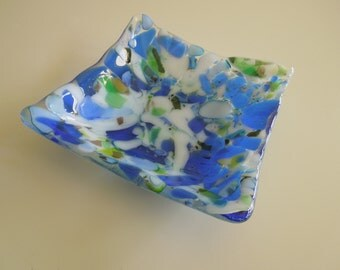 Smashing - small blue dish