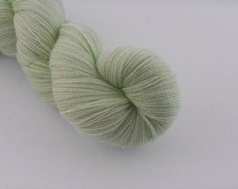 Ingénue Lace,Vert doux, merino silk , 100g