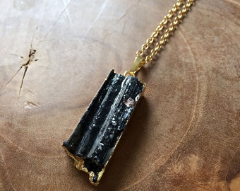 Toermaline - bohemian necklace with a black toermaline pendant with gilded edge - gypsy, boho, rock, bohemian, trend, minimal, gold, mineral