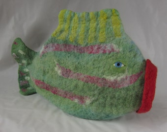 Medium-large cat-eating fishy cat cave / cat bed / pet bed made from felted wool