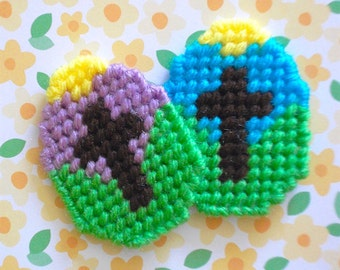 "Plastic Canvas: Easter Egg Magnets -- ""Easter Cross"" (set of 2)"
