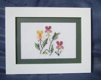 Hand embroidered picture - pansies / violets