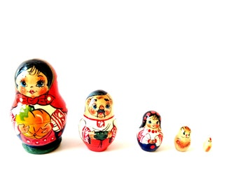 Nesting dolls, home decor, SOFIA -- vintage Russian dolls assortment, 5 pieces, painted wooden toy / decoration by SophieLDesign
