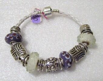 774 - NEW - Purple and White Beaded Bracelet