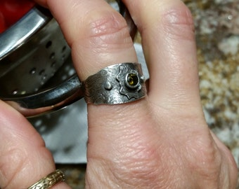 Vintage Inspired Silver Peridot Ring, 9.5