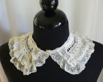 1900 - 1920's Irish Crochet Lace and Valenciennes Lace Collar