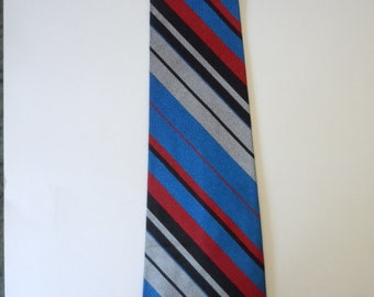 Bold Late 1960s Rayon / Acetate Tie