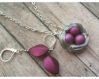 Bird nest necklace, birds nest, birds nest jewelry, gift for mom, expectant mother, three bird nest, nature jewelry, bird nest pendant