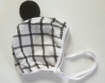 Black Pom bonnet