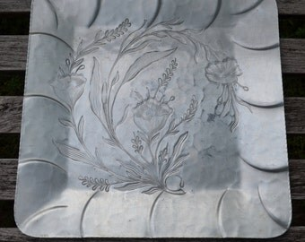 "Vintage SQUARE 11 3/4""- Everlast Hand Forged Aluminum Serving Tray - Flower Leaves Pattern Soft Sawtooth Edge - No Handles"