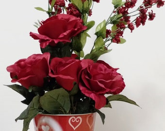 Valentines Day, Table Centerpiece, Red Hearts, Valentine Flowers, Spring Flowers, Valentine Decor, Red Roses, Floral Arrangement