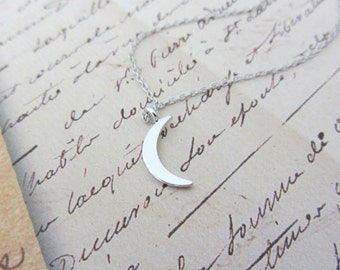 Crescent moon necklace/moon charm necklace/dainty crescent moon necklace/silver crescent moon necklace/moon necklace
