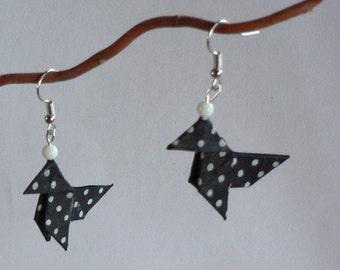 Boucles d'oreilles Origami Cocottes Noires Petits Pois Blancs.